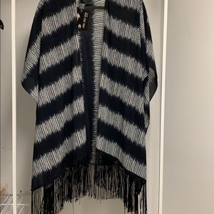 D&Y bathing suit cover up tunic wrap or scarf B/W